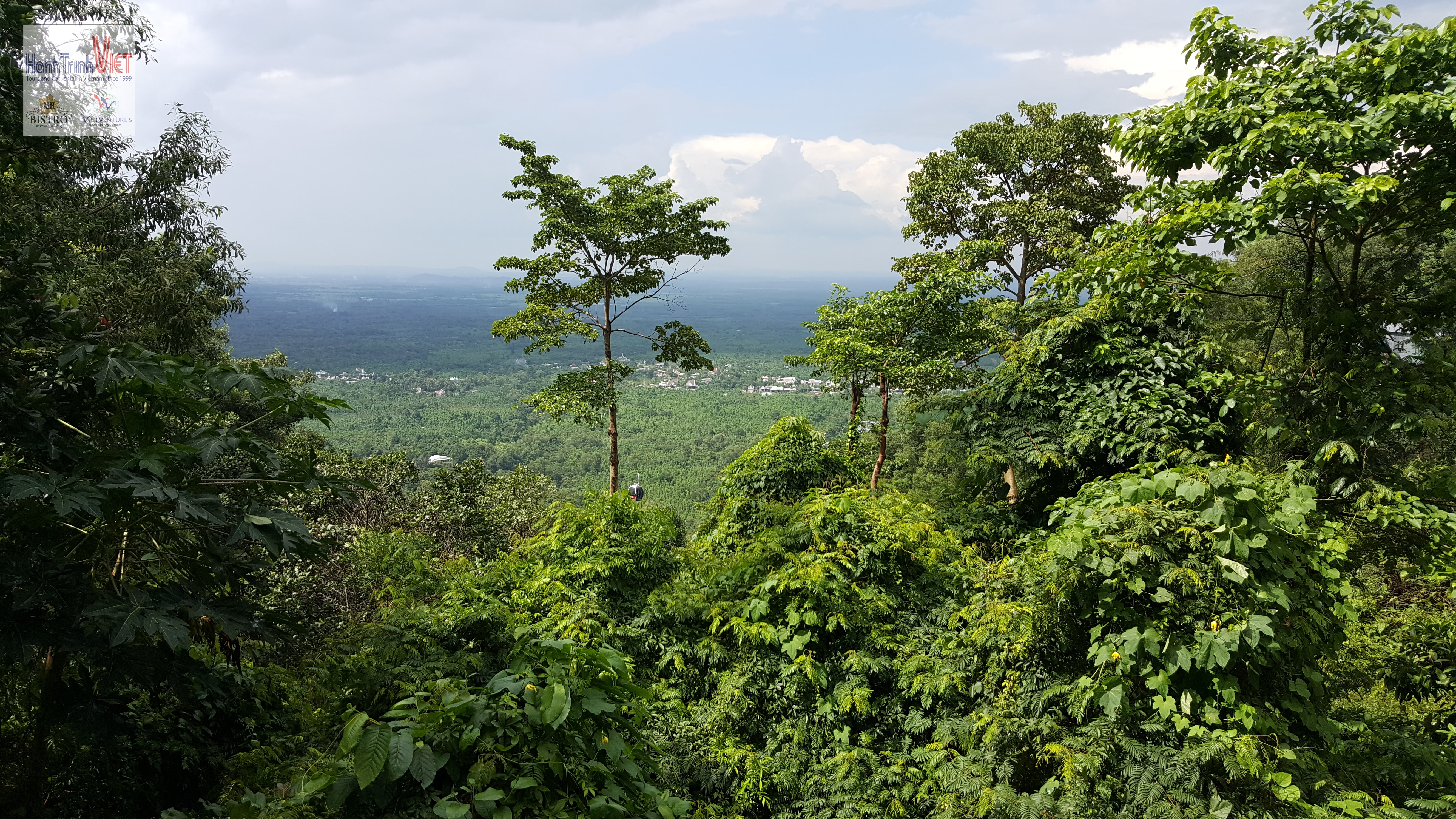 Trekking Tour Núi Chứa Chan
