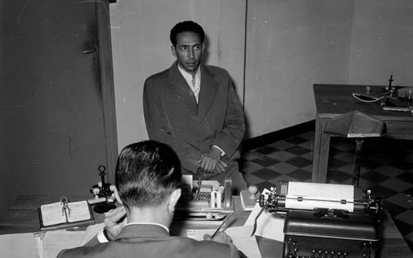 Mohamed Boudiaf interrogated following the hijacking of their plane in 1956