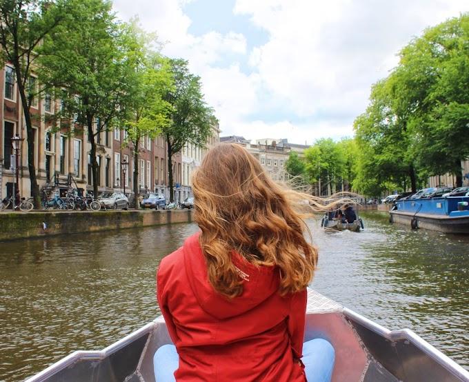 Amsterdam verkennen vanaf het water met een fluisterboot van Boaty