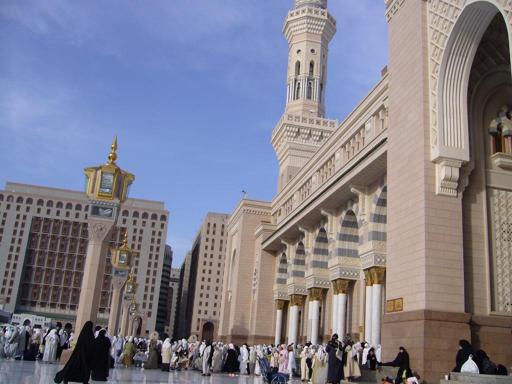 LISTEN: Masjid Al Nabawi in Madinah