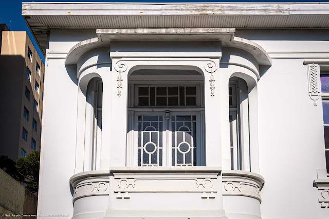 Casa na Alameda Doutor Carlos de Carvalho - detalhe sacada
