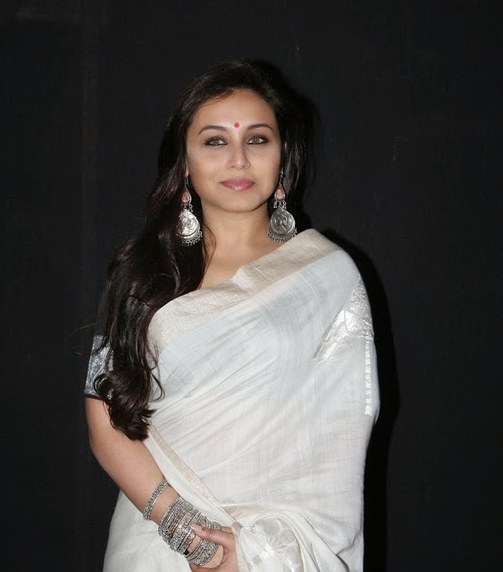 Bollywood Celebrity Rani Mukherjee Latest Saree Cute Photos Navel Queens