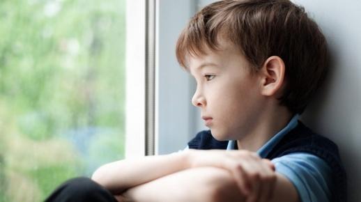 Anak Laki-Laki Bersedih