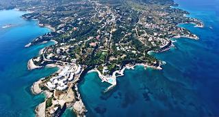 Η χερσόνησος των επωνύμων με τις ακριβότερες βίλες στην Ελλάδα