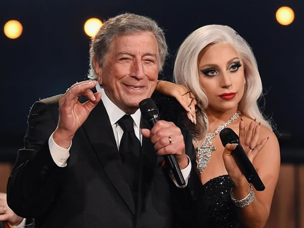 Tony Bennett y Rolling Stones podrían presentarse con Gaga en el Super Bowl 2017