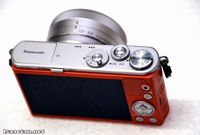Functional dials and buttons on the top part of the Lumix GM1