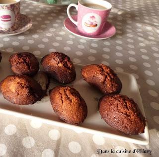 https://danslacuisinedhilary.blogspot.com/2015/03/madeleines-au-chocolat-et-praline.html