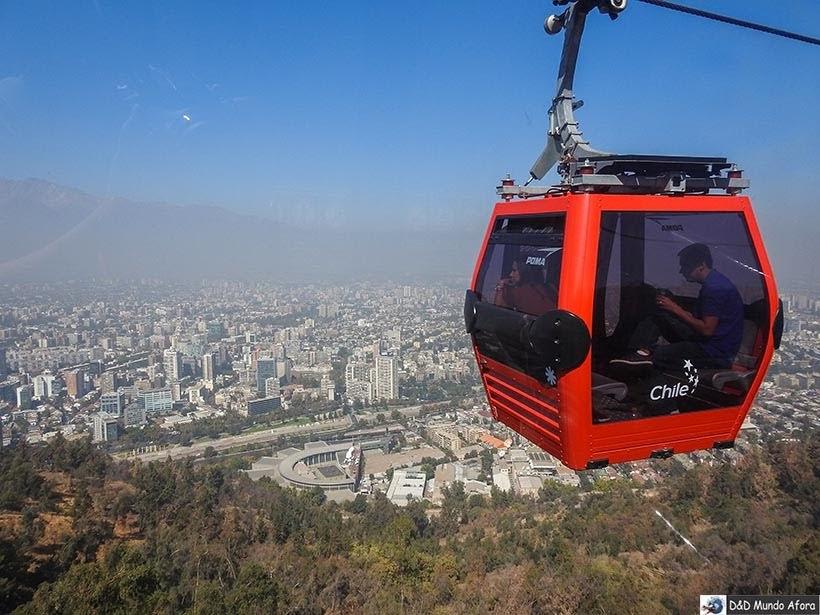 Teleférico no Cerro San Cristóbal em Santiago - Diário de Bordo Chile: 8 dias em Santiago e arredores