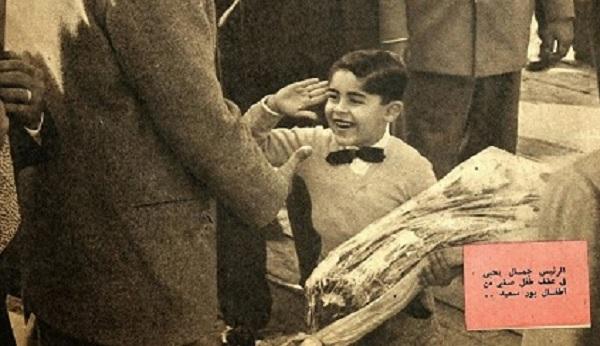 أنتيكا حقيقة صورة الطفل عبد الفتاح السيسي مع جمال عبد الناصر