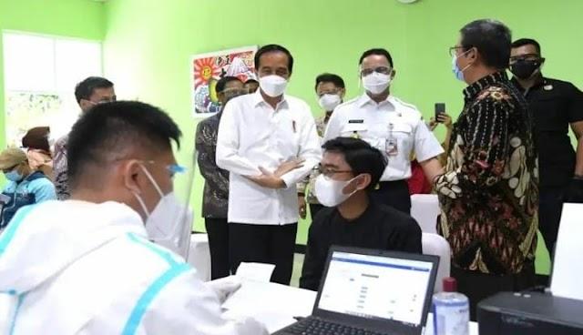 Telah Dimulai Vaksinasi Massal Bagi Tenaga Pendidik dan Kependidikan Jakarta
