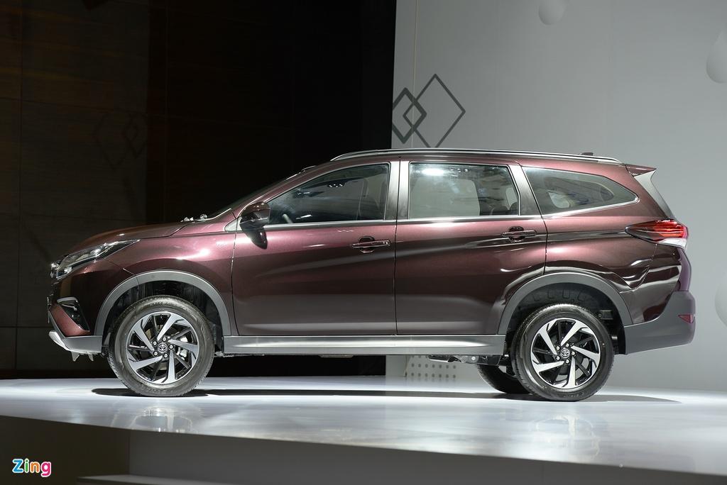 SUV 7 chỗ tầm giá 700 triệu - chọn Rush, XL7 hay Xpander Cross?