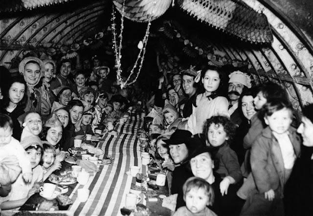 25 December 1940 worldwartwo.filminspector.com Christmas London Blitz