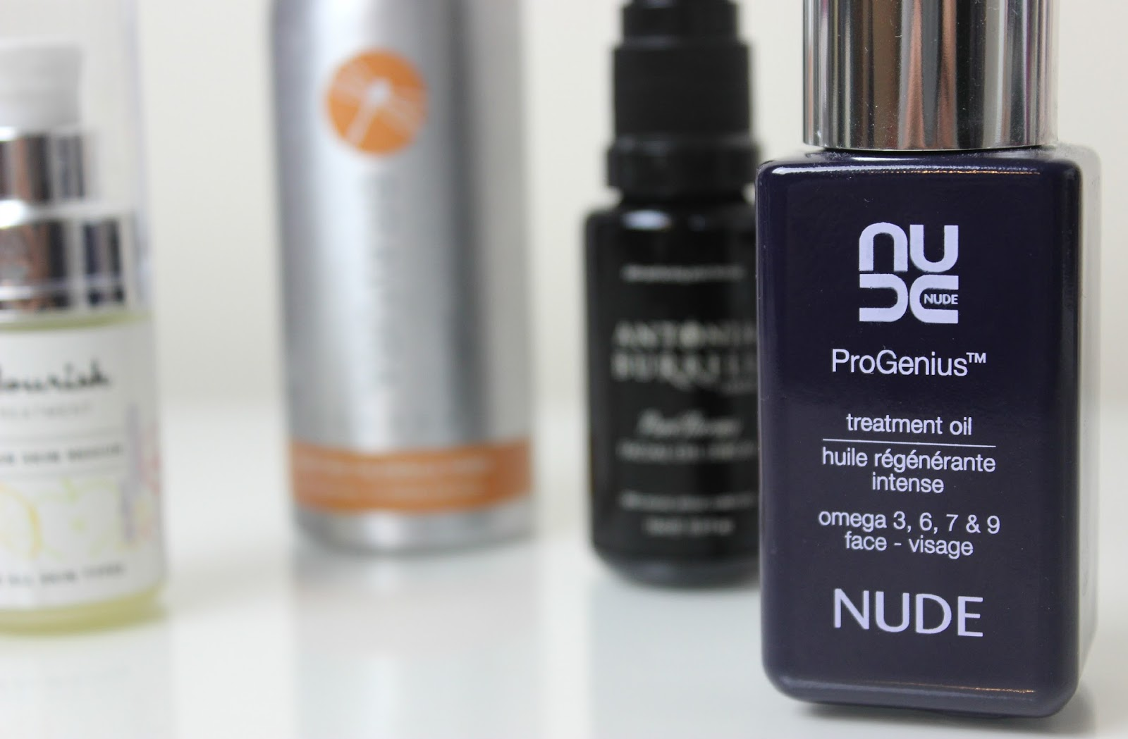 A picture of the Nude ProGenuis Treatment Oil