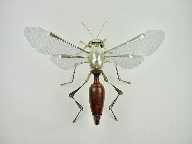 07-Digger-Wasp-Sculptor-Recycled-Animal-Sculptures-Dean-Patman-Graphic-Design-www-designstack-co