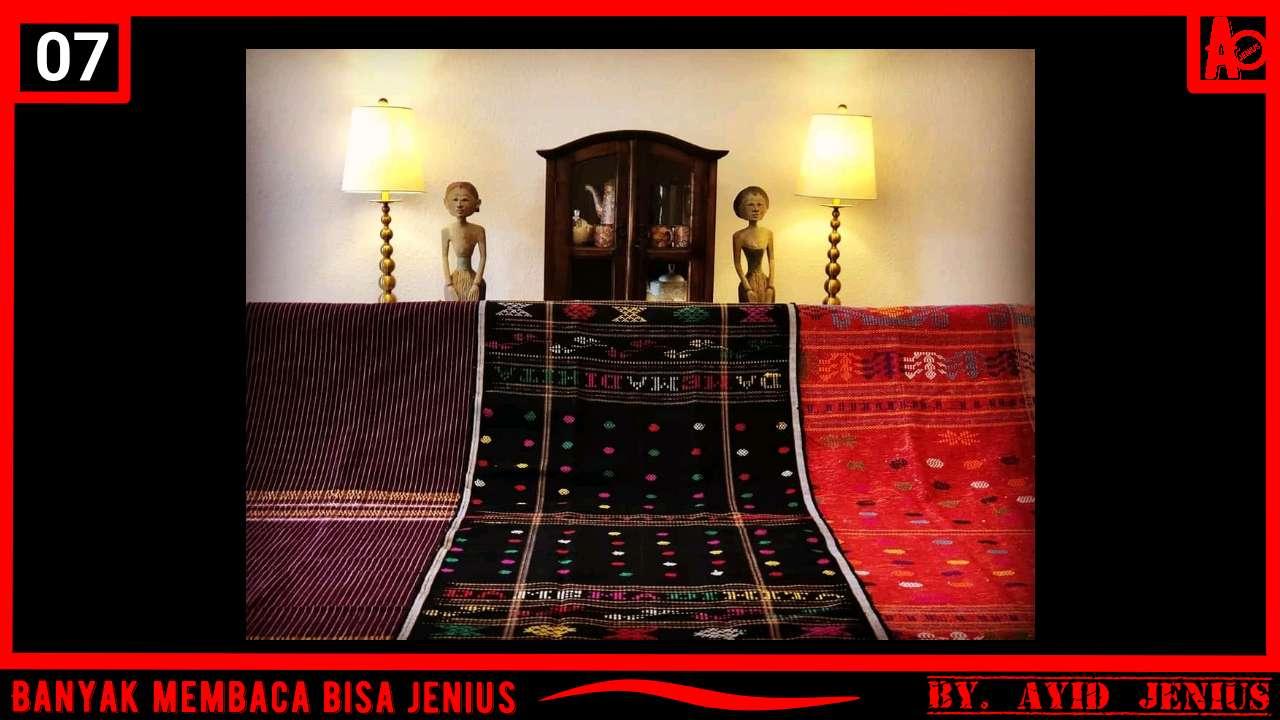 Mengenal Kain Ulos sebagai Bahan Pembuatan Pakaian Adat Sumatera Utara (Suku Batak)