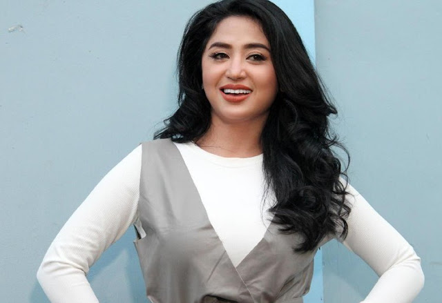 Dewi Persik Siap Jadi Duta Tertib Busway Usulan Wagub DKI