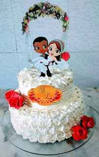 Couple with Afro Man Getting Married: Free Printable Cake Toppers.