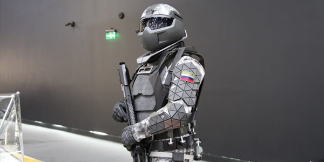 Rússia testa armadura de combate capaz de parar balas de calibre .50