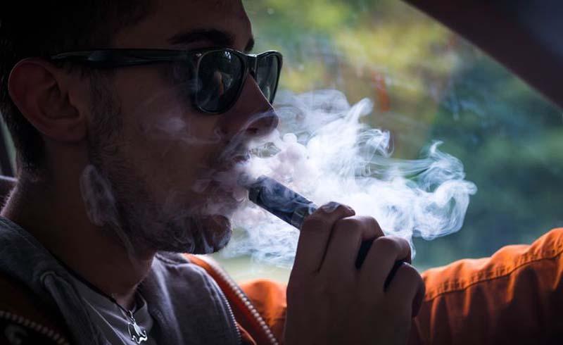 Vaping, e-cigarettes, vape, is vaping bad for you, vaping health affects, e-cig vapors, vapes, vaping lead, vaping toxic