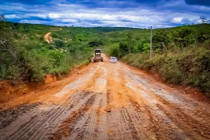 Piritiba: Secretaria de Infraestrutura realiza requalificação da estrada do povoado da Cigana a sede do município