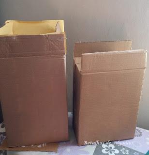 Caixas de papelão reaproveitas para enviar encomendas