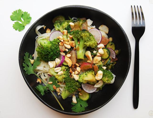 Nouilles aux légumes sautés
