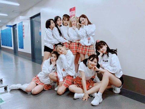 [PANN] Mina, Twice konserine katılarak sahnelere geri döndü