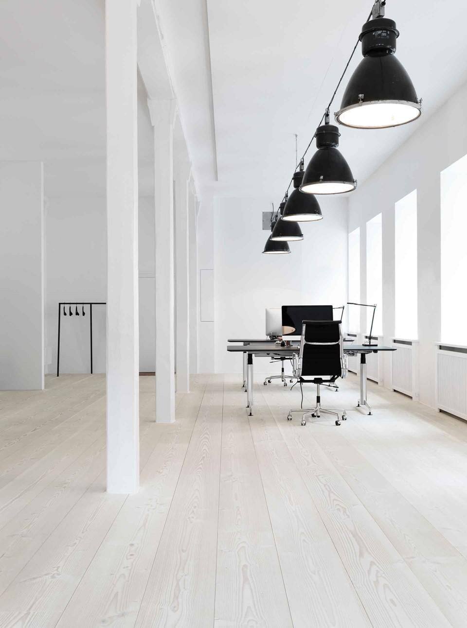 La oficina de ensueño y el suelo Dinesen