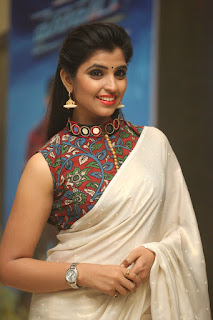 Anchor Shyamal new glam pics 009.jpg