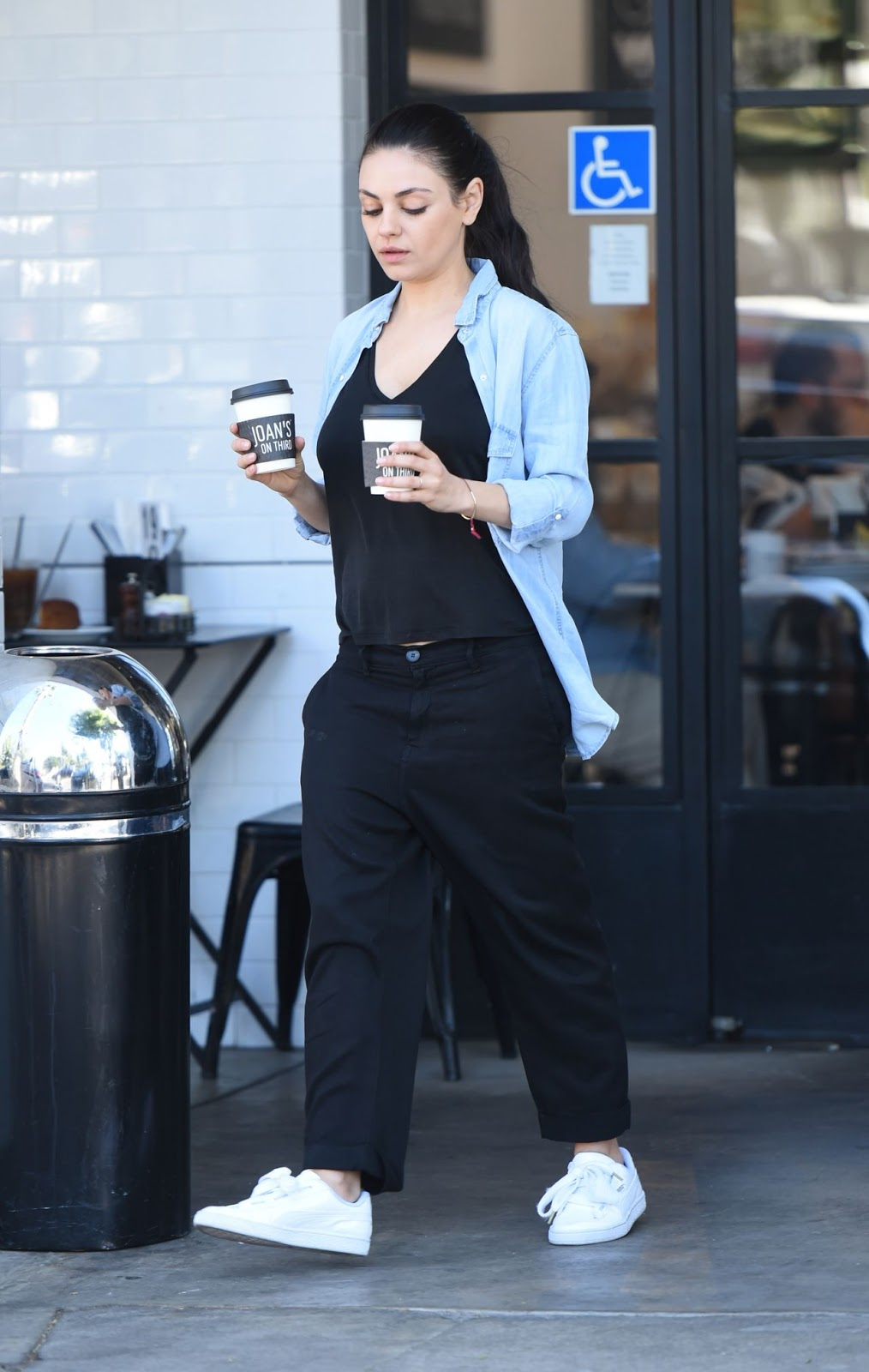 Mila Kunis Street Style Out In Los Angeles 04292017 Celebrity