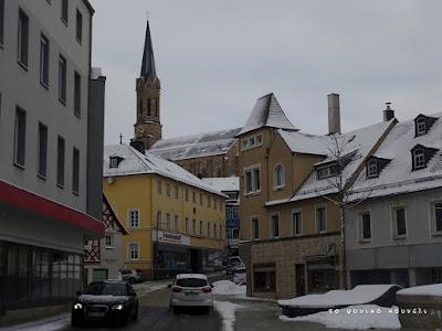 Δρόμος στο κέντρο του Μύνχμπεργκ της Γερμανίας / Street in the centre of Münchberg in Germany