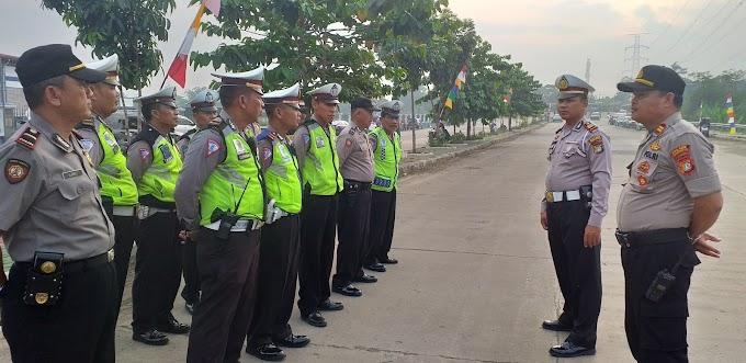 Polres Depok Bantu Pengamanan Jalan Santai HUT Korpri Ke-48