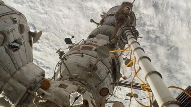 NASA Mau Kirim Astronot di Waktu Paling Utama untuk Salat Tahajud