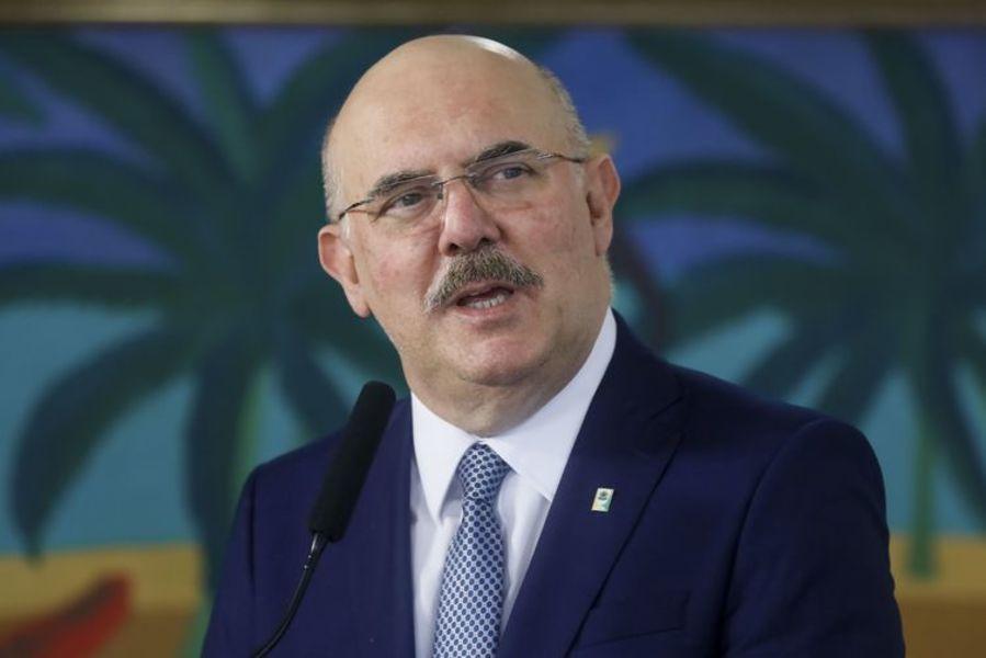 """""""Nós precisamos resgatar o respeito pelo professor"""", diz novo ministro da Educação"""