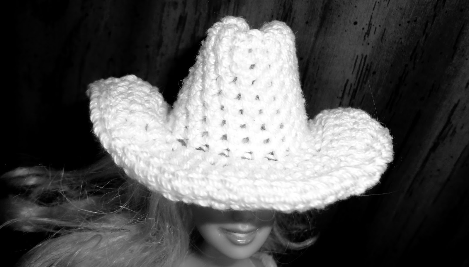 Niftynnifer s Crochet   Crafts  The Cowboy Cowgirl Free Barbie Hat ... 95915d0f691