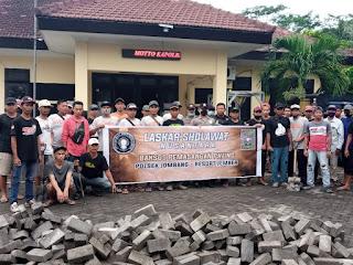Sinergi LSN Dan PSHT, Pasang Paving Halaman Mapolsek Jombang