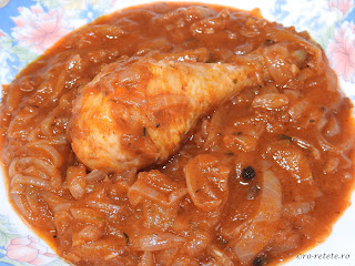 Tocanita de ceapa cu pui reteta traditionala romaneasca taraneasca de casa la ceaun retete culinare mancare gatita dobrogeana mancaruri cu carne tocana tocanite pulpe copane sos tomat,