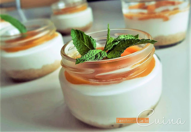 Iogurt, Mango, Postre Facil, postre amb got, cuina facil, postre en vaso, l'essencia de la cuina
