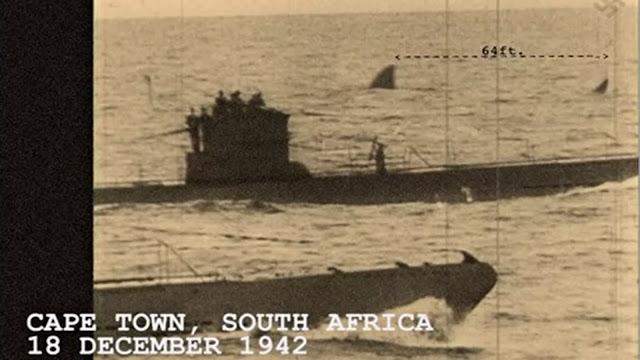 Fotografía de Megalodón vivo junto a un submarino