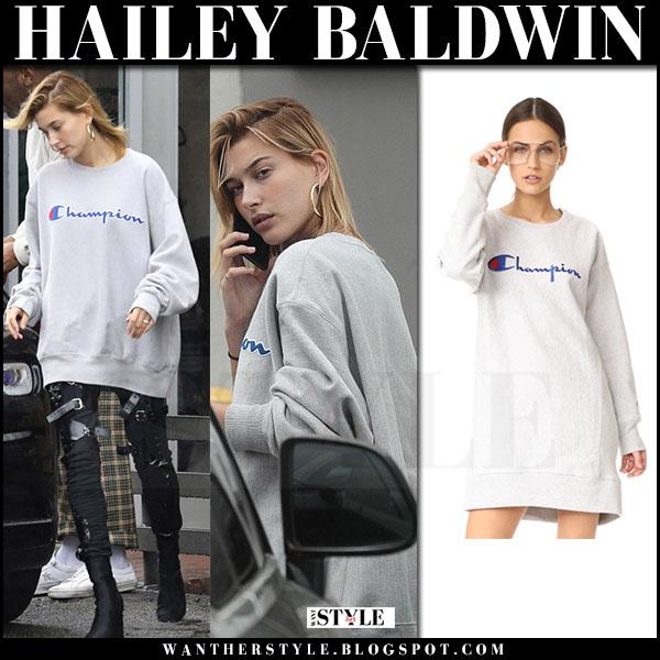 Hailey Baldwin in grey oversized Champion sweatshirt what she wore march 2017