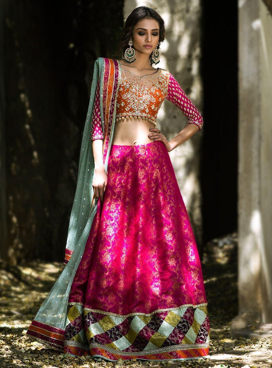 Orange & Hot Pink Bridal Mehndi Dresses for a Traditional Pakistani Mehndi Event