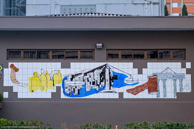 Um painel de azulejos na Saldanha Marinho - detalhe