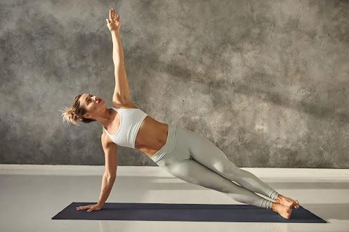 Side plank with a Twist - Plank nghiêng vặn người