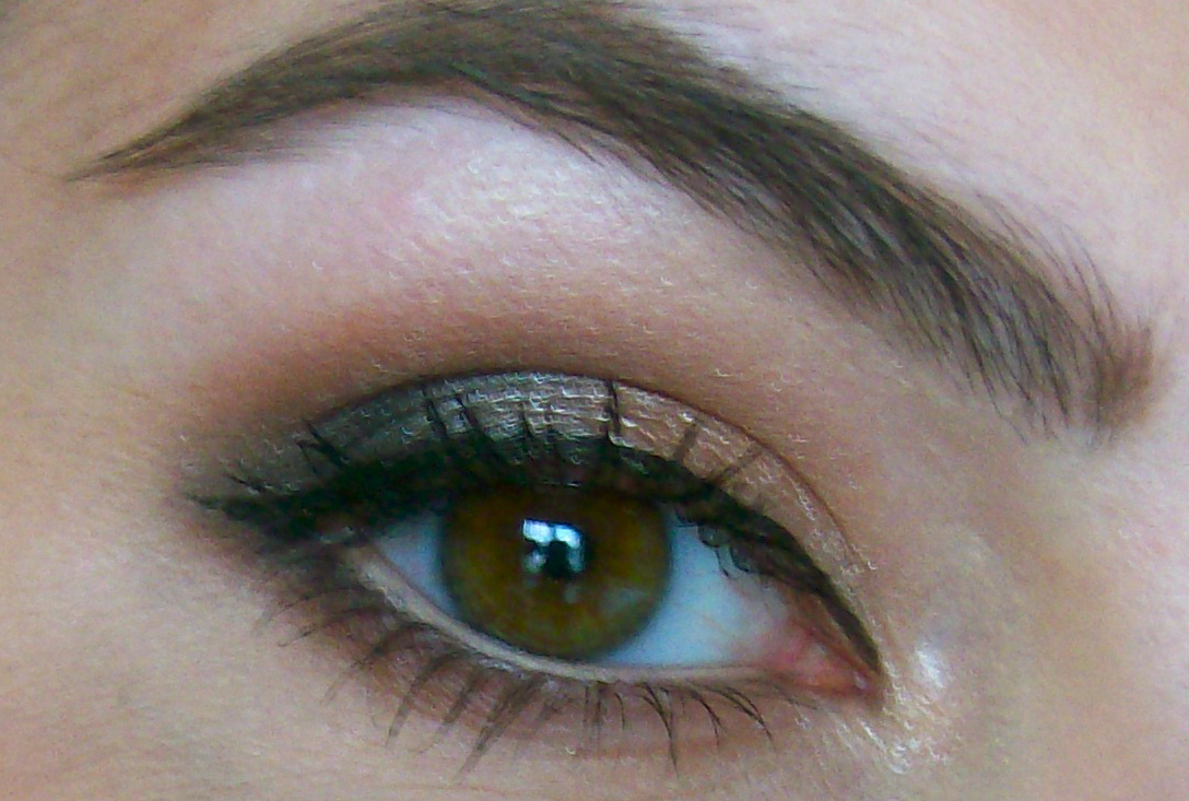 b29c9a2e2e4 I finished it off with some liquid liner on the upper lashline, and a coat  of mascara on the top & bottom lashes!