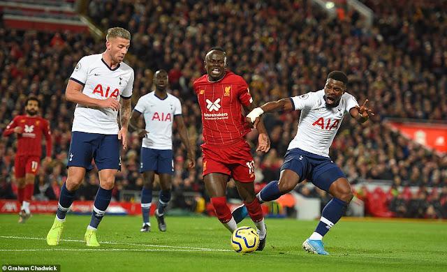 Sau vòng 10 Premier League: Liverpool quá đáng sợ 2