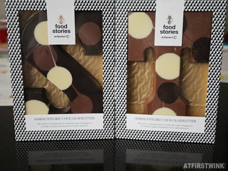 Bijenkorf chocolade letters chocolate letters milk dark white dots