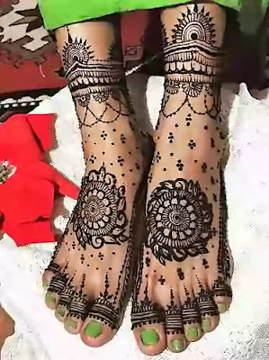 south indian bride leg mehndi design