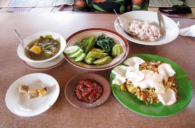 13 Makanan Khas Sunda yang Membuat Kamu Bangga Tinggal di Indonesia