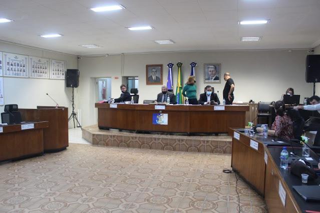 Em sessão extraordinária, Câmara aprova projeto de auxílio aos artistas
