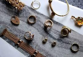 Traiter avec les marchands de bijoux en gros